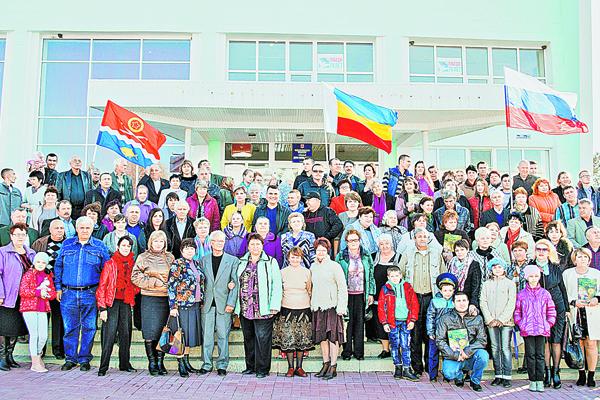 В Таганроге встретились три тысячи Надолинских